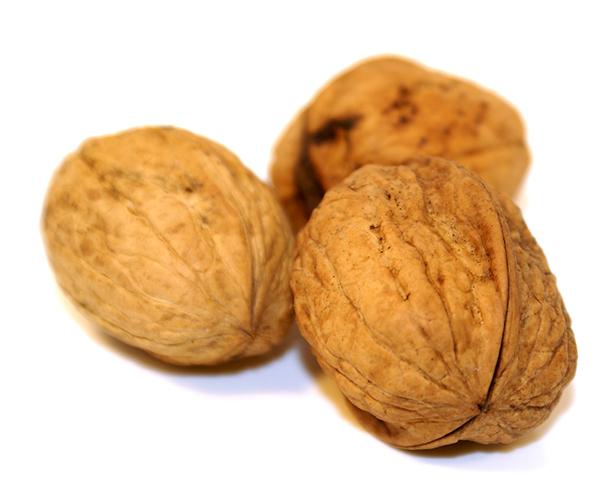 walnuts-healthy-onwhite