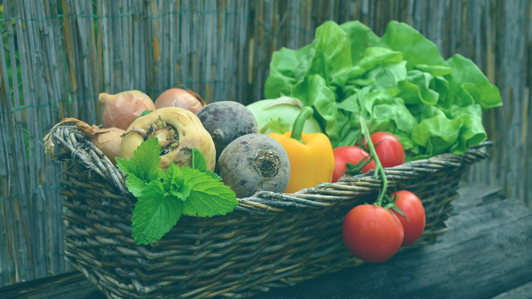 Why You Need To Eat More Raw Food